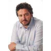 Алекс Ровира, Фернандо Триас де Бес